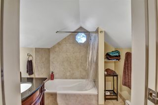 Photo 7: 12743 25 Avenue in Surrey: Crescent Bch Ocean Pk. House for sale (South Surrey White Rock)  : MLS®# R2533104