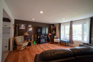 Photo 2: 703 4th Street NE in Portage la Prairie: House for sale : MLS®# 202115922