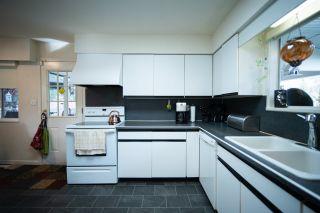 Photo 18: 10696 SANTA MONICA Drive in Delta: Nordel House for sale (N. Delta)  : MLS®# R2425540