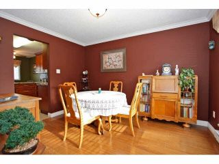 """Photo 9: 2 9988 149TH Street in Surrey: Guildford Townhouse for sale in """"Tall Timbers"""" (North Surrey)  : MLS®# F1426430"""