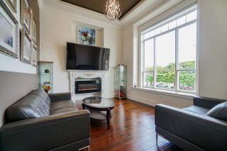 Photo 3: 20954 48 Avenue in Langley: Langley City House for sale : MLS®# R2589109