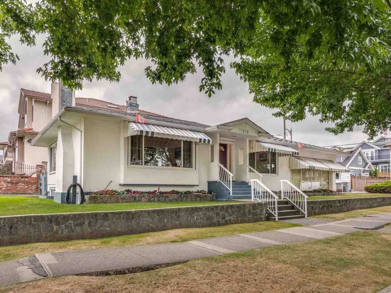 Main Photo: 1908 PENTICTON Street in Vancouver: Renfrew VE House for sale (Vancouver East)  : MLS®# R2493342