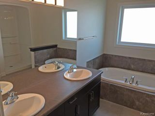 Photo 12: 11 GREENSTONE Bay in Winnipeg: Residential for sale : MLS®# 1500824