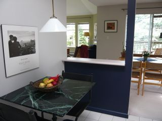 Photo 11: 401 1989 West 1st Avenue in Maple Court: Kitsilano Home for sale ()  : MLS®# V710841