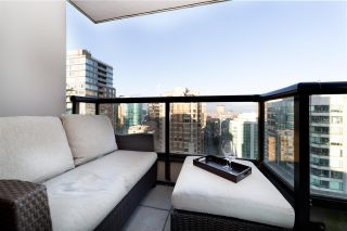 """Photo 6: 2802 909 MAINLAND Street in Vancouver: Yaletown Condo for sale in """"Yaletown Park II"""" (Vancouver West)  : MLS®# R2505728"""