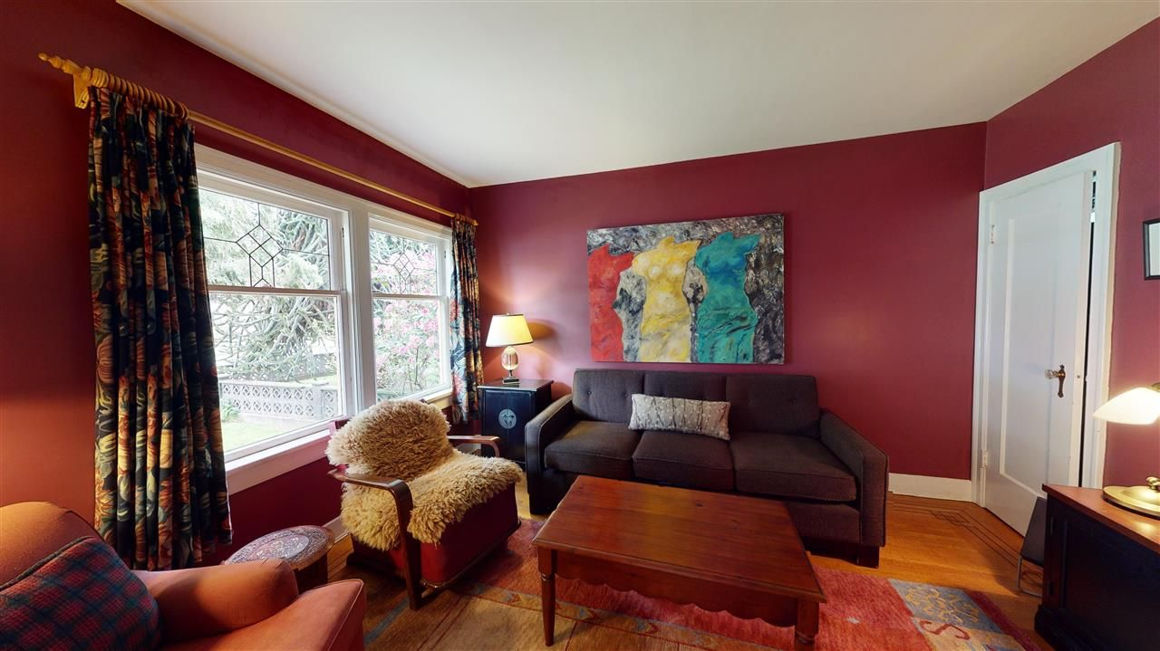 Photo 7: Photos: 2521 KITCHENER Street in Vancouver: Renfrew VE House for sale (Vancouver East)  : MLS®# R2573364