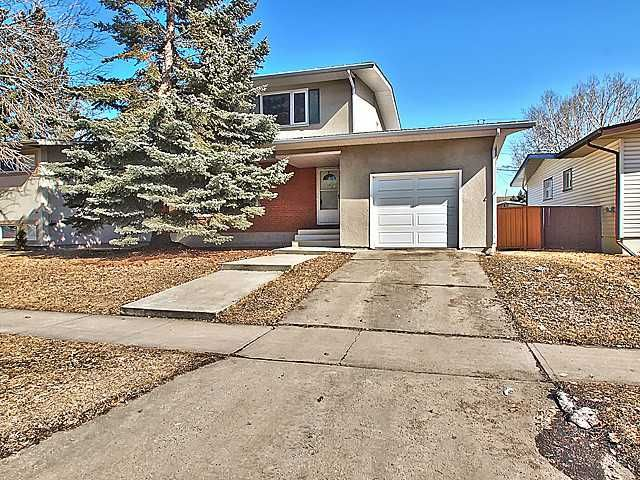 Main Photo: 1388 NORTHMOUNT Drive NW in CALGARY: Brentwood_Calg Residential Detached Single Family for sale (Calgary)  : MLS®# C3579051