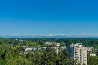 """Photo 19: 2105 9981 WHALLEY Boulevard in Surrey: Whalley Condo for sale in """"PARK PLACE"""" (North Surrey)  : MLS®# R2597250"""