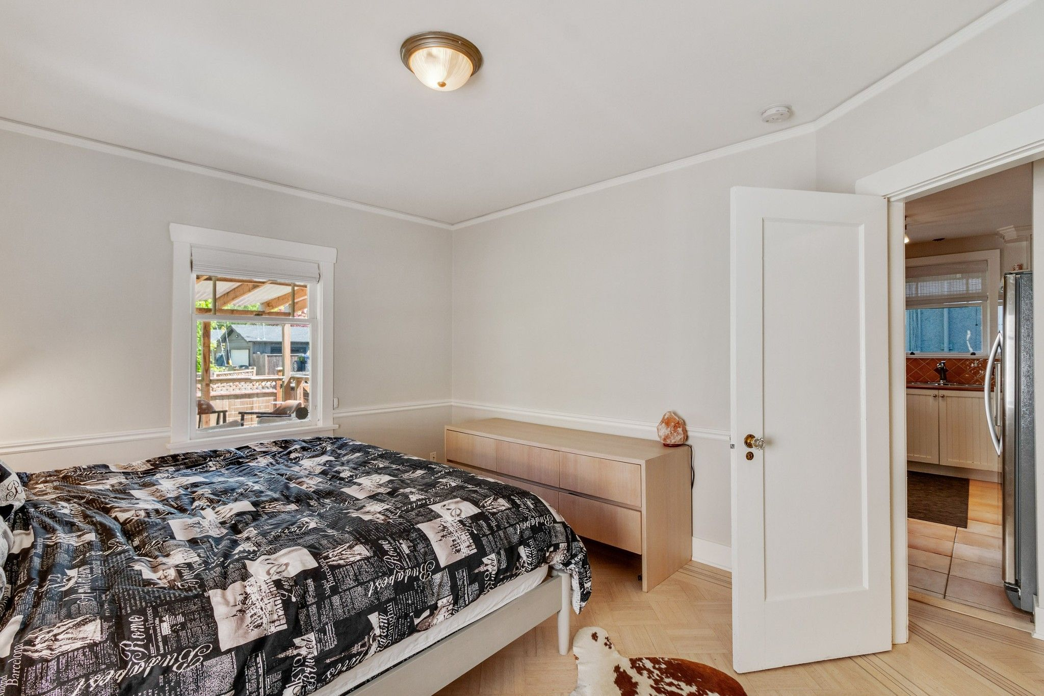 Photo 10: Photos: 3742 ONTARIO Street in Vancouver: Main House for sale (Vancouver East)  : MLS®# R2580004