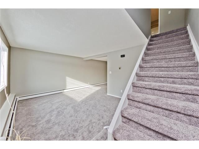 Photo 6: Photos: 118 3809 45 Street SW in Calgary: Glenbrook House for sale : MLS®# C4096404