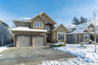 Photo 3: 2721 CARRIAGE Court: House for sale in Abbotsford: MLS®# R2528026