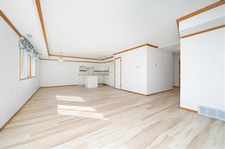 Photo 4: 101 4520 4 Street NW in Calgary: Highland Park Apartment for sale : MLS®# A1078542