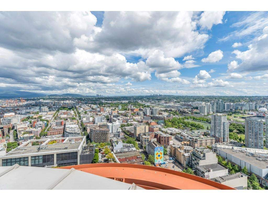 """Photo 33: Photos: 1704 128 W CORDOVA Street in Vancouver: Downtown VW Condo for sale in """"WOODWARDS"""" (Vancouver West)  : MLS®# R2592545"""