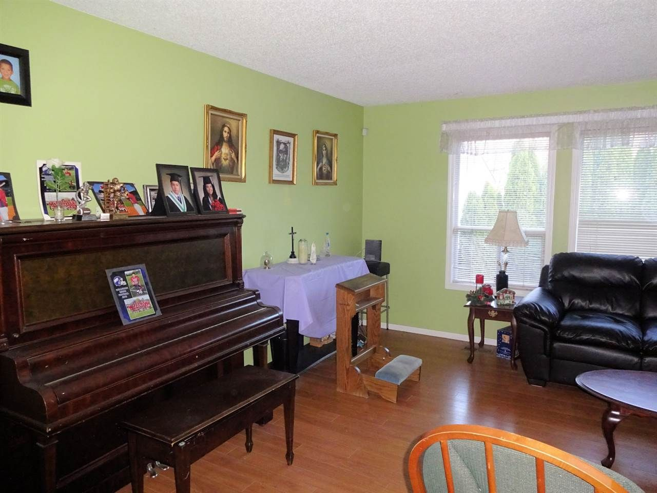 Photo 5: Photos: 6245 DUNDEE Place in Sardis: Sardis West Vedder Rd House for sale : MLS®# R2224915