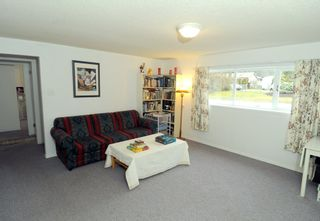 Photo 11: 2628 POPLYNN Place in North Vancouver: Westlynn House for sale : MLS®# R2349621