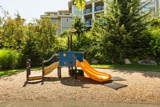 "Photo 38: 305 275 ROSS Drive in New Westminster: Fraserview NW Condo for sale in ""The Grove at Victoria Hill"" : MLS®# R2479209"