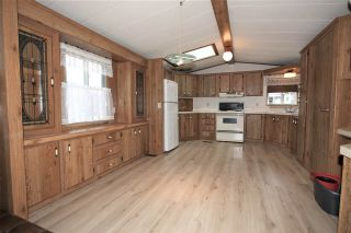 """Photo 2: 61 3300 HORN Street in Abbotsford: Central Abbotsford Manufactured Home for sale in """"Georgian Park"""" : MLS®# R2519380"""
