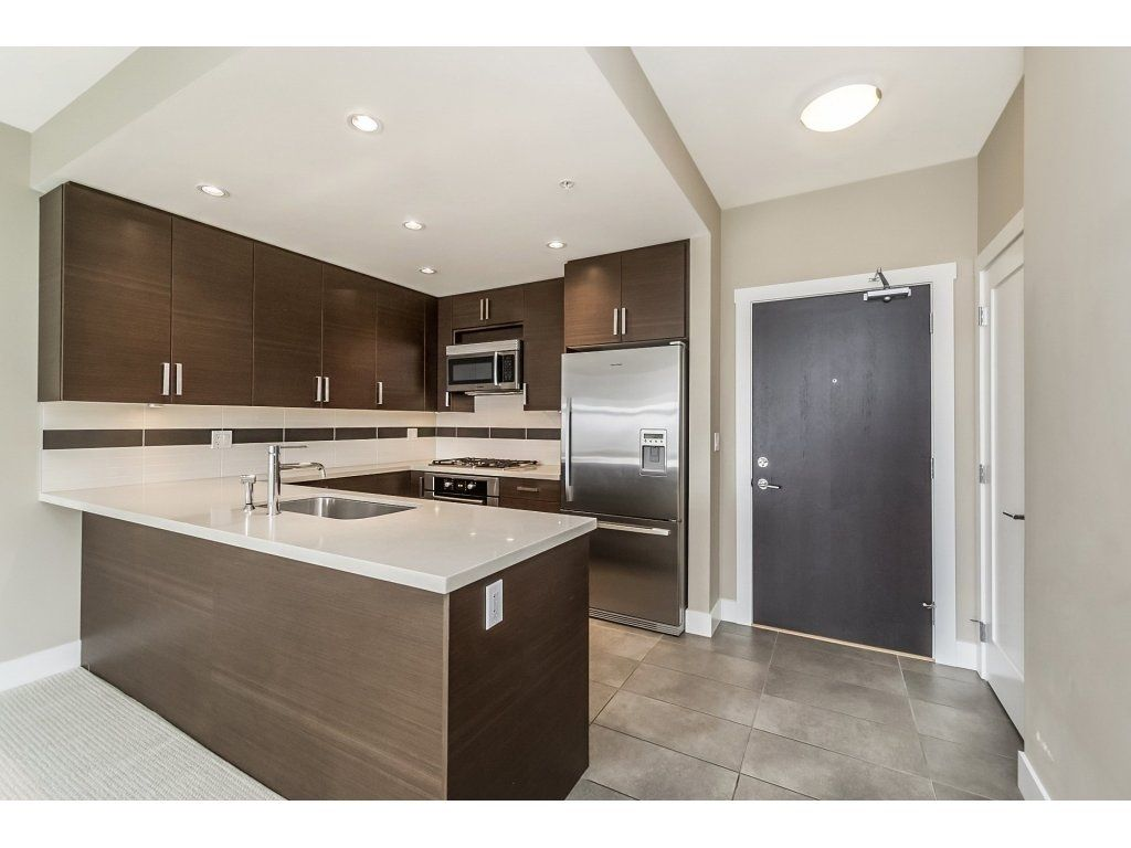 Main Photo: 304 4710 HASTINGS STREET in : Capitol Hill BN Condo for sale : MLS®# R2230984