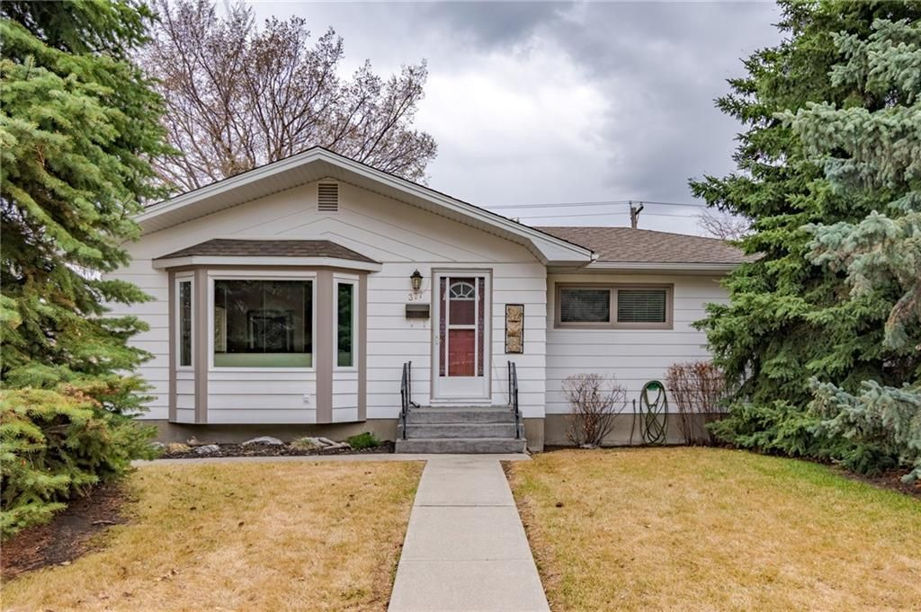 Main Photo: 377 CAPRI Avenue NW in Calgary: Brentwood Detached for sale : MLS®# C4296522