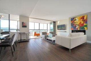 """Photo 2: 602 475 13TH Street in West Vancouver: Ambleside Condo for sale in """"Le Marquis"""" : MLS®# R2557858"""