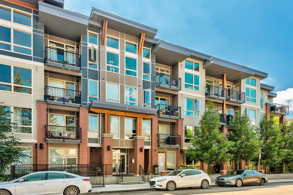 Main Photo: 218 305 18 Avenue SW in Calgary: Mission Apartment for sale : MLS®# A1127877