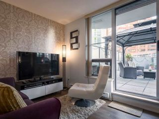 """Photo 1: 304 1212 HOWE Street in Vancouver: Downtown VW Condo for sale in """"1212 HOWE by Wall Financial"""" (Vancouver West)  : MLS®# R2221746"""