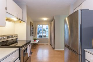 """Photo 3: 881 PINEBROOK Place in Coquitlam: Meadow Brook 1/2 Duplex for sale in """"MEADOWBROOK"""" : MLS®# R2329435"""