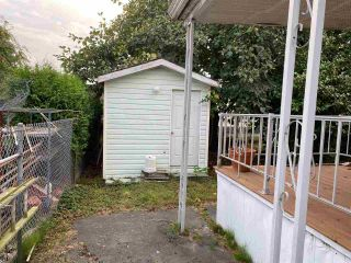Photo 2: 15882 NORFOLK Street in Surrey: King George Corridor Manufactured Home for sale (South Surrey White Rock)  : MLS®# R2497793