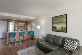 """Photo 3: 318 135 E 17TH Street in North Vancouver: Central Lonsdale Condo for sale in """"LOCAL"""" : MLS®# R2117123"""