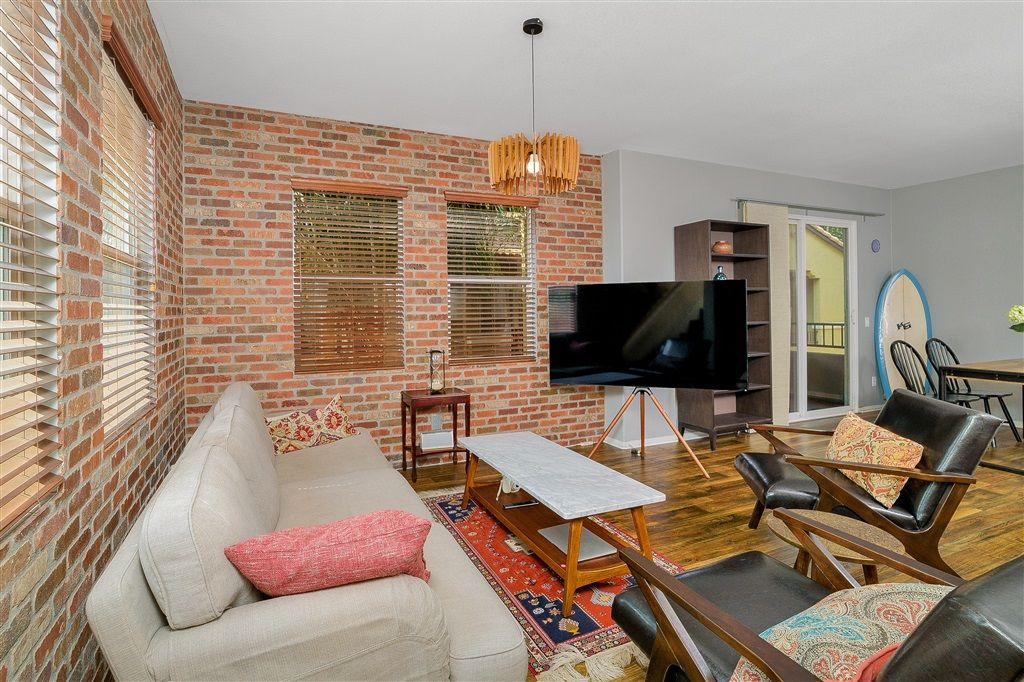 Main Photo: EAST SAN DIEGO Townhouse for sale : 3 bedrooms : 5435 Soho View Ter in San Diego