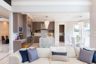 Photo 8: 6340 BELLFLOWER Drive in Richmond: Riverdale RI House for sale : MLS®# R2152718