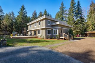 Photo 1: 5771 Bates Rd in : CV Courtenay North House for sale (Comox Valley)  : MLS®# 873063