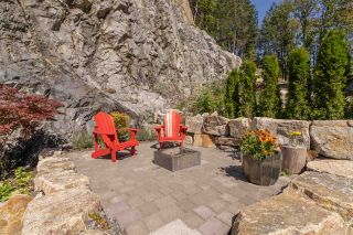 """Photo 30: 2211 CRUMPIT WOODS Drive in Squamish: Valleycliffe House for sale in """"Crumpit Woods"""" : MLS®# R2494676"""