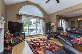 """Photo 6: 33 4001 OLD CLAYBURN Road in Abbotsford: Abbotsford East Townhouse for sale in """"Cedar Springs"""" : MLS®# R2166092"""