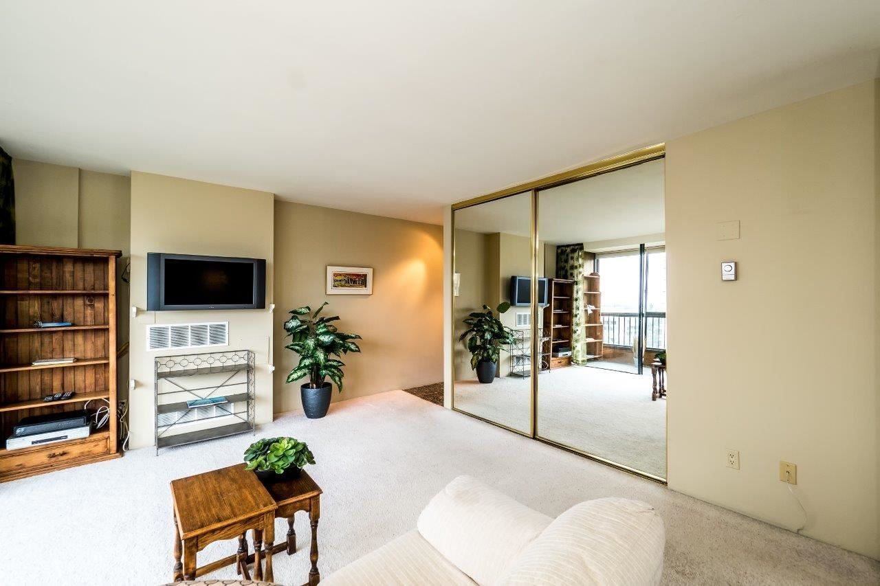 """Photo 7: Photos: 1203 650 16TH Street in West Vancouver: Ambleside Condo for sale in """"Westshore Place"""" : MLS®# R2147302"""