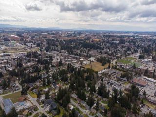 """Photo 39: 2327 CLARKE Drive in Abbotsford: Central Abbotsford House for sale in """"Historic Downtown Infill Area"""" : MLS®# R2556801"""
