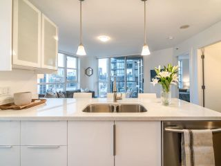 """Photo 8: 2102 1199 SEYMOUR Street in Vancouver: Downtown VW Condo for sale in """"BRAVA"""" (Vancouver West)  : MLS®# R2537110"""