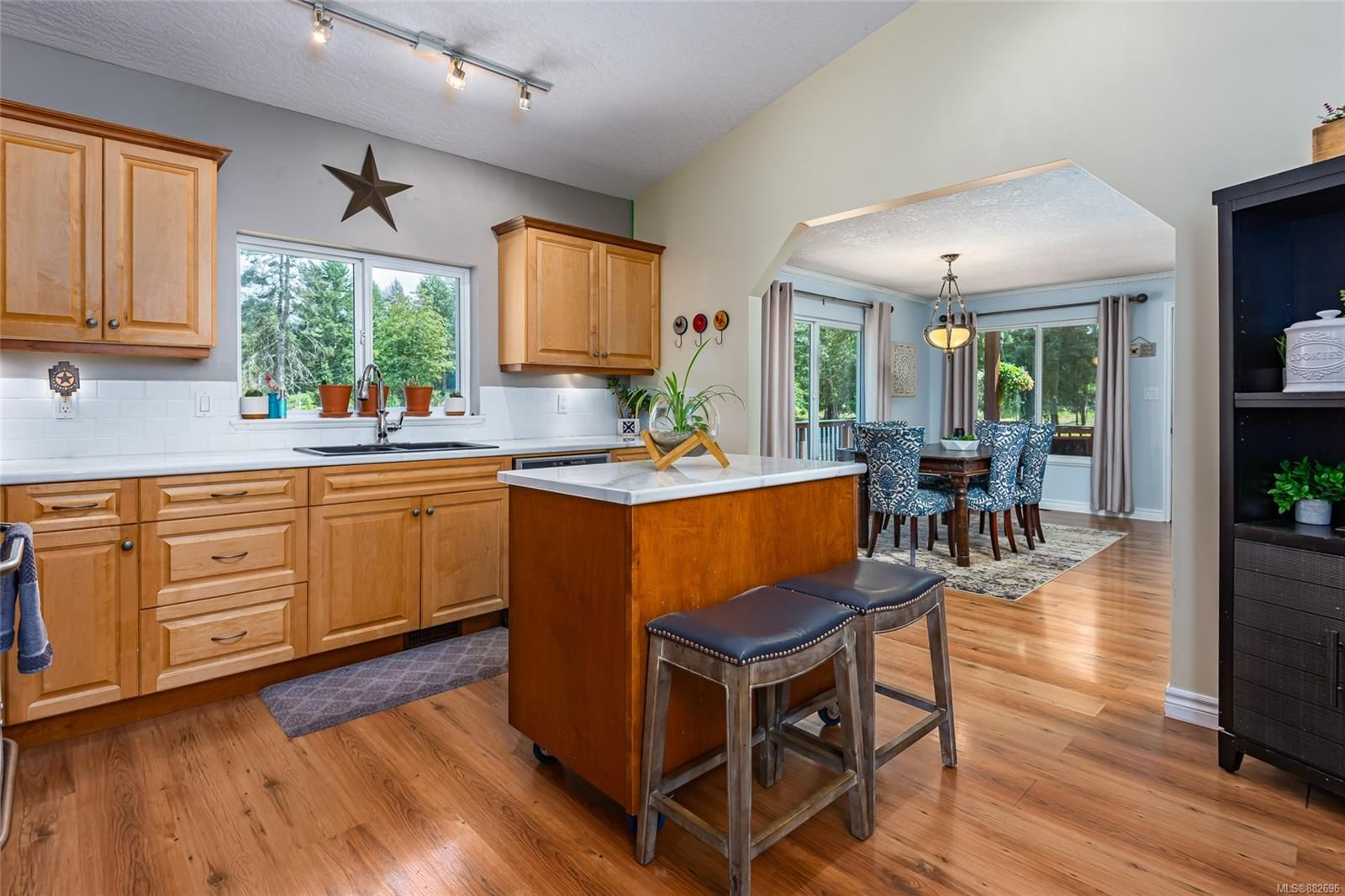 Photo 13: Photos: 3554 MacAulay Rd in : CV Merville Black Creek House for sale (Comox Valley)  : MLS®# 882696
