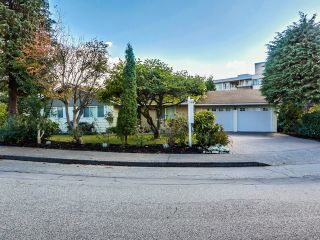 Photo 2: 68 Mott Crescent in New Westminster: Home for sale : MLS®# R2002099