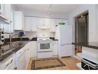 Photo 2: # 37 900 W 17TH ST in North Vancouver: Hamilton Townhouse for sale : MLS®# V1080074