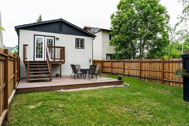 Photo 16: Photos: 6 Leston Place in Winnipeg: Residential for sale (2E)  : MLS®# 1816429