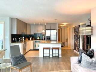 """Photo 2: 1701 1189 MELVILLE Street in Vancouver: Coal Harbour Condo for sale in """"THE MELVILLE"""" (Vancouver West)  : MLS®# R2617274"""