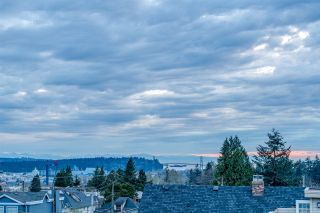 Photo 25: 215 W 17TH Street in North Vancouver: Central Lonsdale Townhouse for sale : MLS®# R2541182