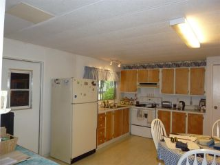 """Photo 4:  in Gibsons: Gibsons & Area Manufactured Home for sale in """"POPLARS MOBILE HOME PARK"""" (Sunshine Coast)  : MLS®# R2386625"""
