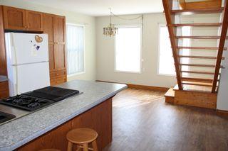 Photo 4: 625 10th Avenue: Montrose House for sale