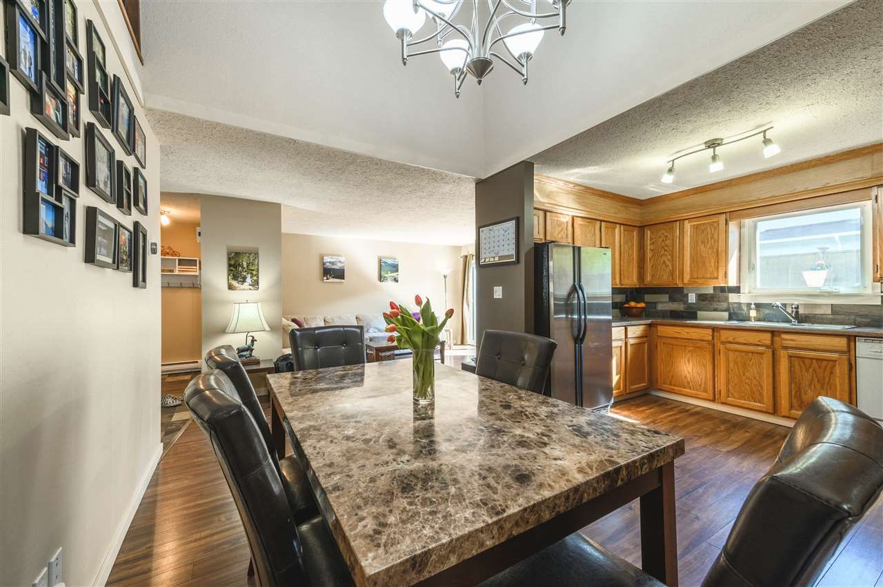 Main Photo: 15 39752 GOVERNMENT ROAD in Squamish: Northyards Townhouse for sale : MLS®# R2363911