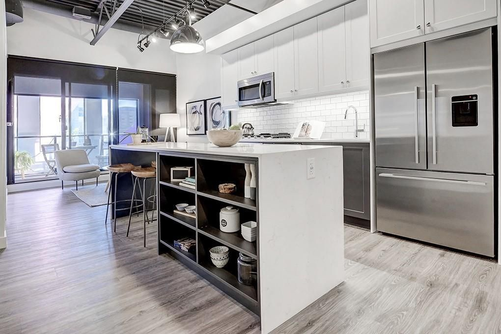 Main Photo: 206 327 9A Street NW in Calgary: Sunnyside Apartment for sale : MLS®# C4237122