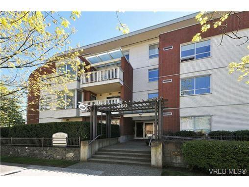 Main Photo: 105 380 Waterfront Cres in VICTORIA: Vi Rock Bay Condo for sale (Victoria)  : MLS®# 686271