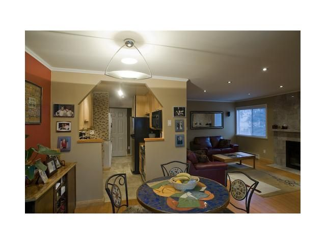 """Photo 9: Photos: 301 9890 MANCHESTER Drive in Burnaby: Cariboo Condo for sale in """"BROOKSIDE COURT"""" (Burnaby North)  : MLS®# V864730"""