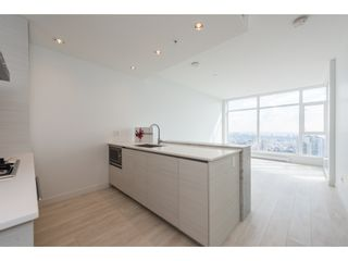 """Photo 11: 5101 4670 ASSEMBLY Way in Burnaby: Metrotown Condo for sale in """"Station Square"""" (Burnaby South)  : MLS®# R2351186"""